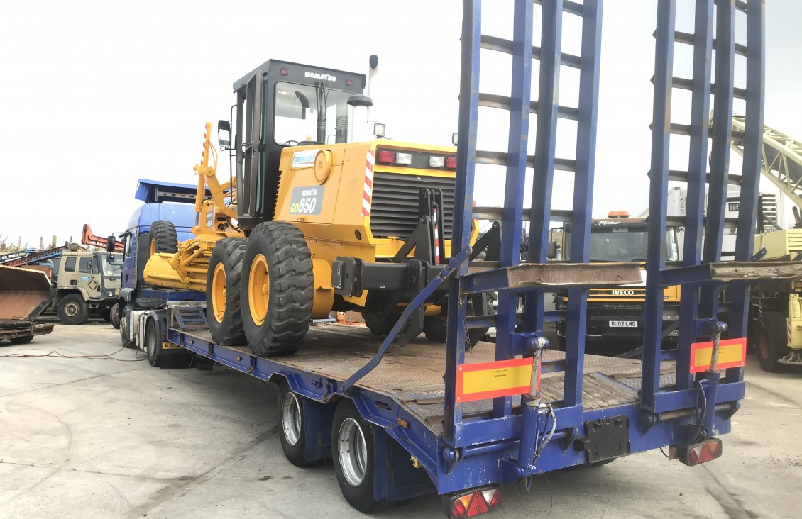 Crane Frueaugh 2 axle step framelow loader trailer for sale| Plantmaster UK