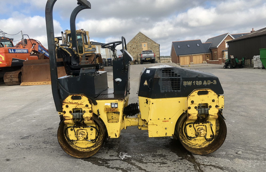 Used Bomag BW120AD-3 Double Drum Vibrating Roller for sale on Plantmaster UK
