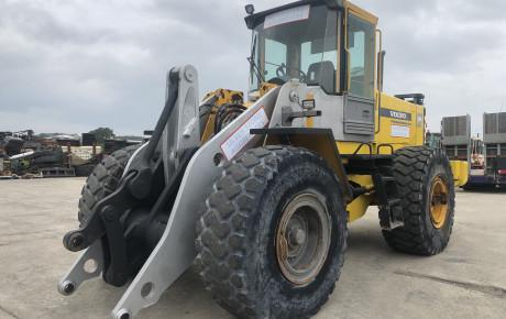 Volvo L120 C wheeled loader for sale on Plantmaster UK