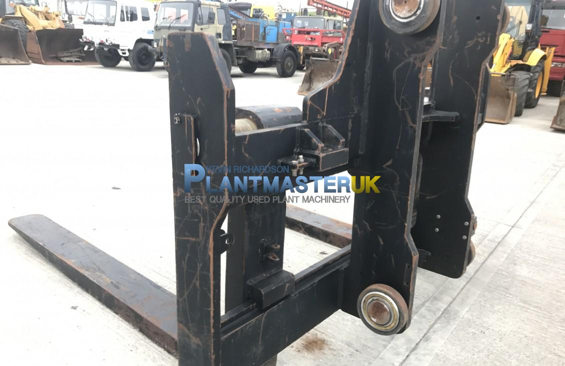 Forks and Carraige to suit 25 ton forklift unused for sale| Plantmaster UK